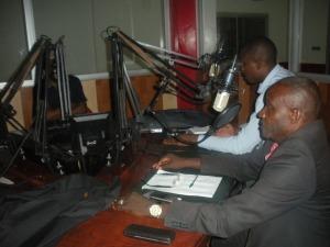 passage à RADIO AFRIQUE 2 pour la promotion du film les messagers